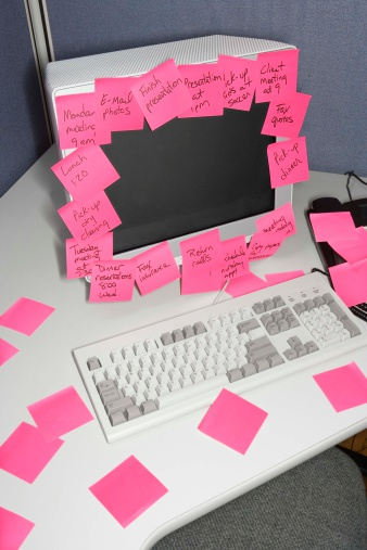 Post-its on computer