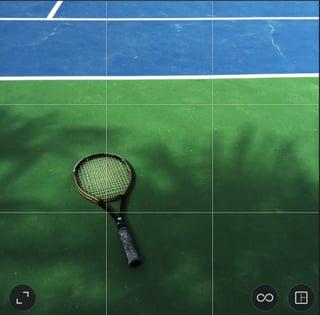 high_contrast_tennis_racket