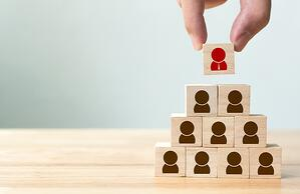 leader block placed on top of employee blocks